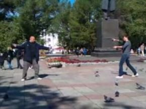 Epic Fight with Pigeons as Weapons