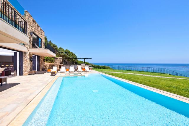 Breathtaking $26 Million Malibu House