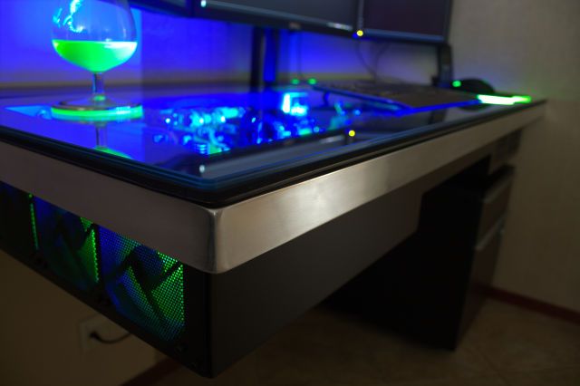 Incredible custom built computer desk mod 68 pics for Bureau 13 pc game