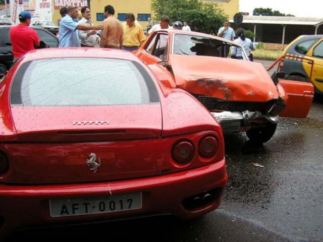 Run-out-of-gas Ferrari Crash