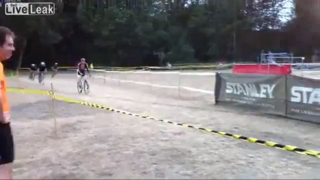 Cyclist Fail [VIDEO]