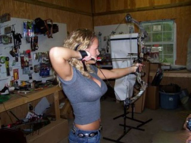 Hot Archery Girls
