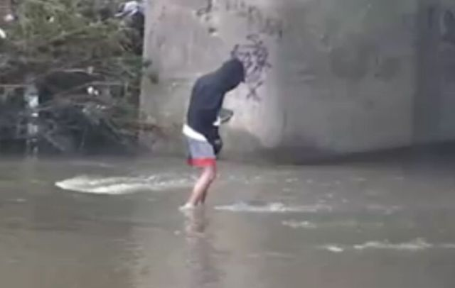 Fishing with Stones. More Efficient than You'd Think… [VIDEO]