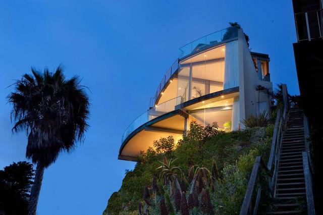 $9.9M Breathtaking Laguna Beach Home