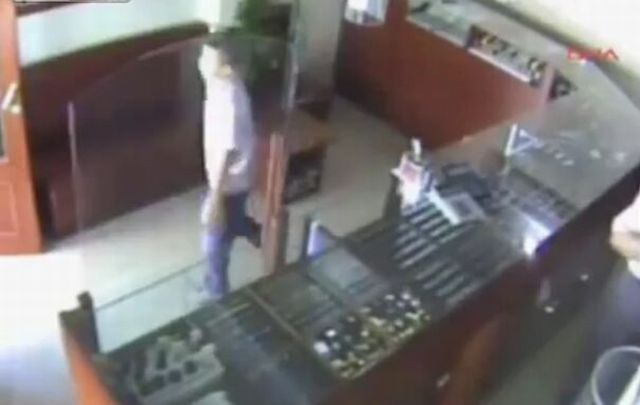 12-Year-Old Neutralizes Armed Robber [VIDEO]
