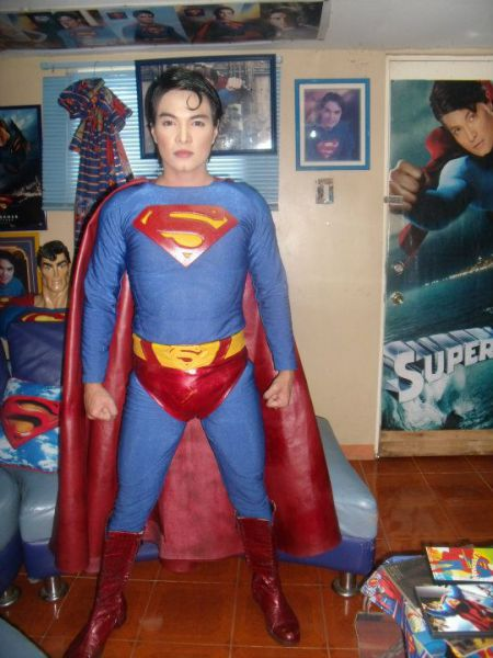 Superman Fan Gets Plastic Surgery to Become Clark Kent