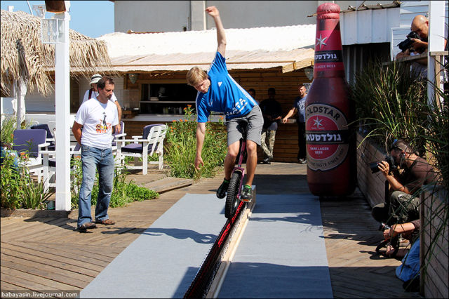 Unicyclist Sets Beer Bottle Riding World Record