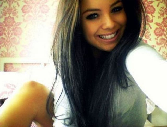 Pretty Girls With Pretty Smiles 33 Pics Izismile Com
