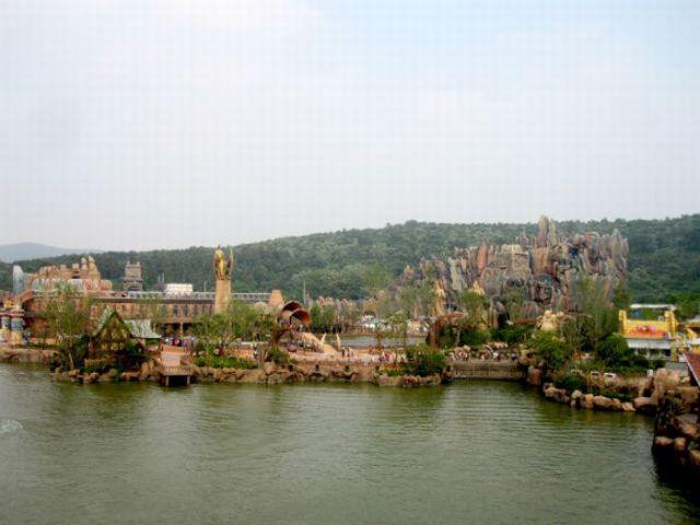 Chinese Unlicensed Warcraft/Starcraft Theme Park