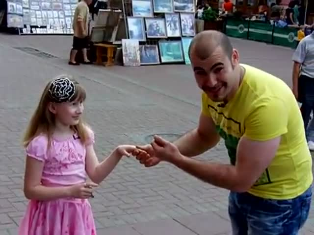 Little Girl vs Beatbox Champion... Wait for It