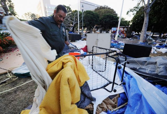 Huge Mess Left after Occupy LA People Thrown in Jail