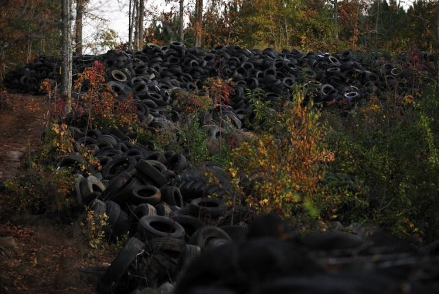 50-Acre Tire Heap Spotted on Google Maps