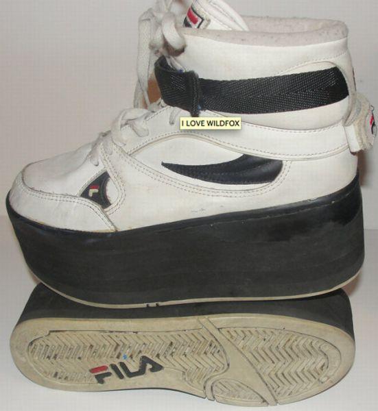 '90s Era Platform Sneakers