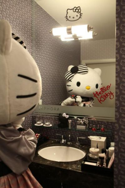 The Inaugural Hello Kitty Hotel Suite