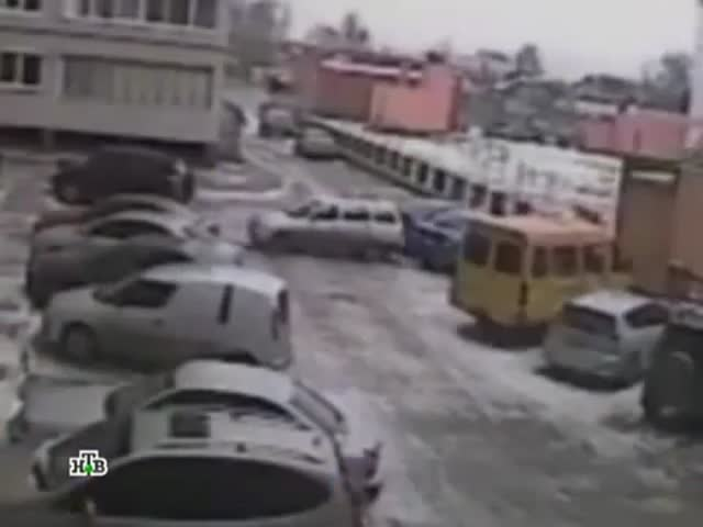 WTF! 4 Accidents in 90 Seconds