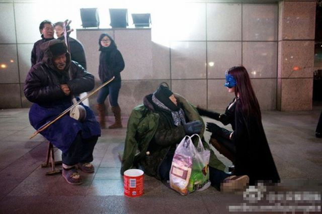 Chinese Masked Superhero Feeds Homeless