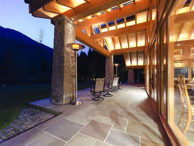 Luxury Ski Lodge in Canada