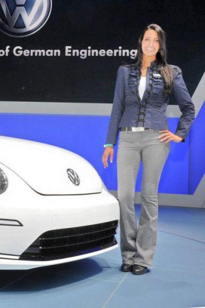 Detroit Auto Show Babes