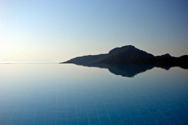 Incredible Infinity Edge Pools