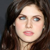 Beautiful Actresses Under 25 - Hot Girls Wallpaper