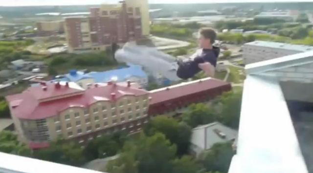 Crazy Russian Guy Climbing on Buildings and Stuff…