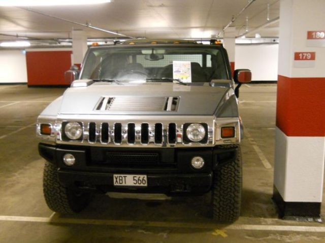 Great Way to Troll a Hummer Driver