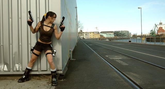Lara Croft Cosplay Nude