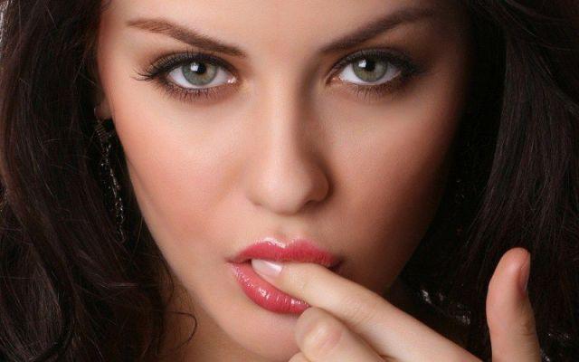 Gifs Query Beautiful Women