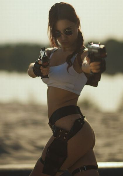Beautiful Tomb Raider Cosplayers