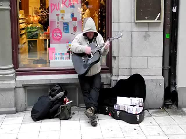 Street Musician's Tremendous Voice