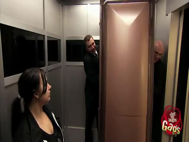 Corpse in Elevator Prank