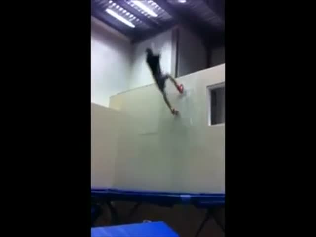 Awesome Trampoline Wall Tricks
