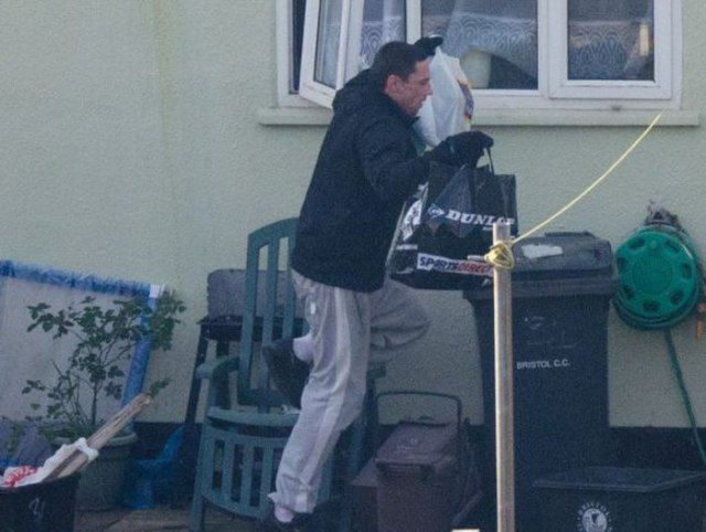 Burglar is Caught Red-Handed by a Vigilant Photographer