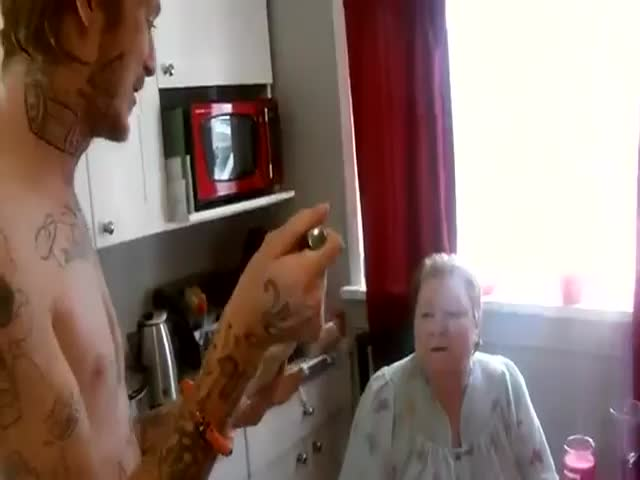 Why Grandmas Should Not Try the Cinnamon Challenge
