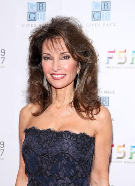 Famous Women Over 50 Who Are Still Beautiful 47 Pics -7285