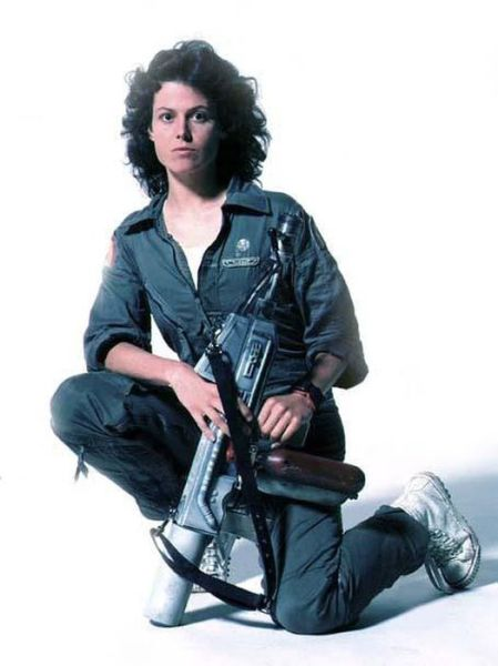"Pictures from Behind the Scenes of the ""Alien"" Movie"