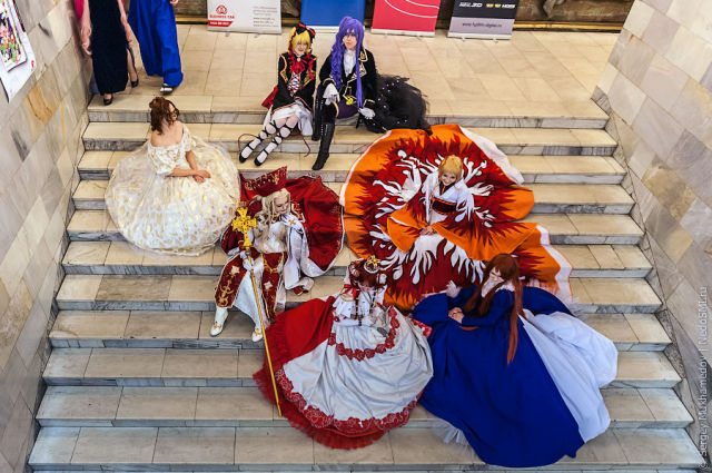Russian Cosplayers Get Ready to the World Contest