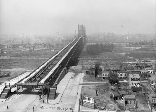NYC Municipal Gallery Reveals Curious Historical Photos