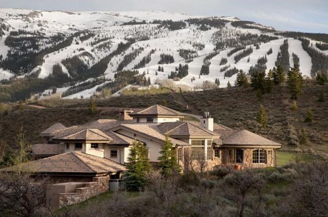 Spectacular Mountain Mansion in Colorado