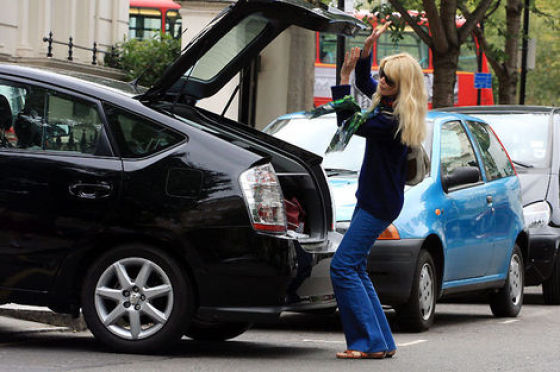 Toyota Prius Is An Ultimate Celebrity Car 20 Pics