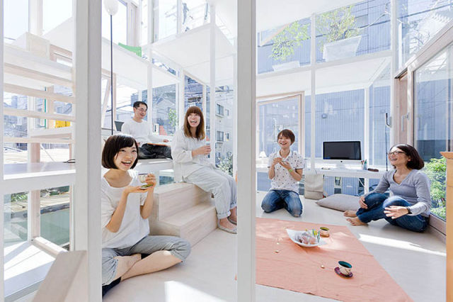 Tokyo Couple Lives in a Completely Transparent House