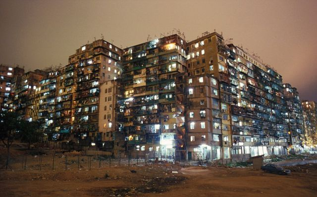 Grim Life in an Overpopulated Chinese City