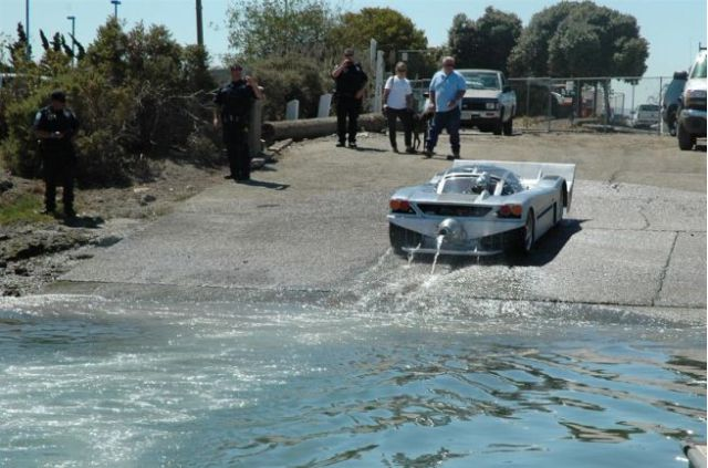 Stylish Amphibian Vehicle Breaks Speed Record