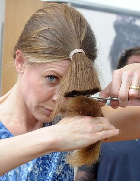 Celeb Hairdresser's Tip for a DIY Haircut