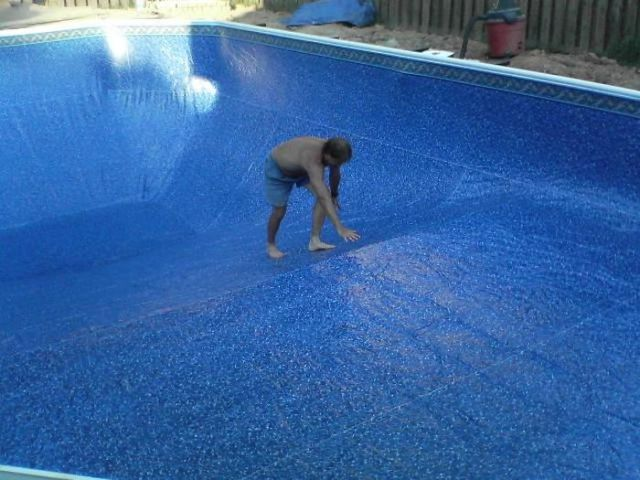 Guy Assembles a Pool by Himself