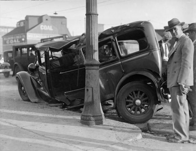 Vintage Pics of Car Crashes