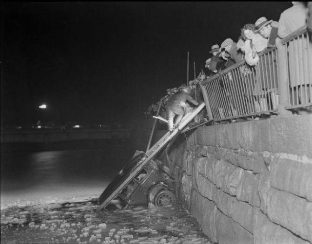 Vintage Pics of Car Crashes
