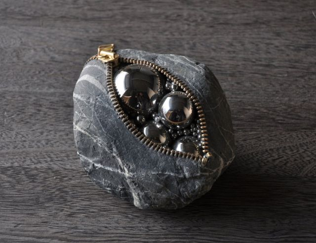Unbelievable Tiny Stone Sculptures