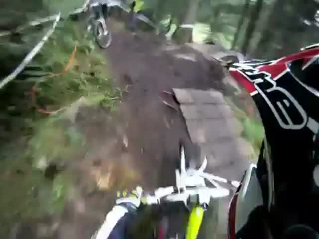 Insane Downhill Overtake