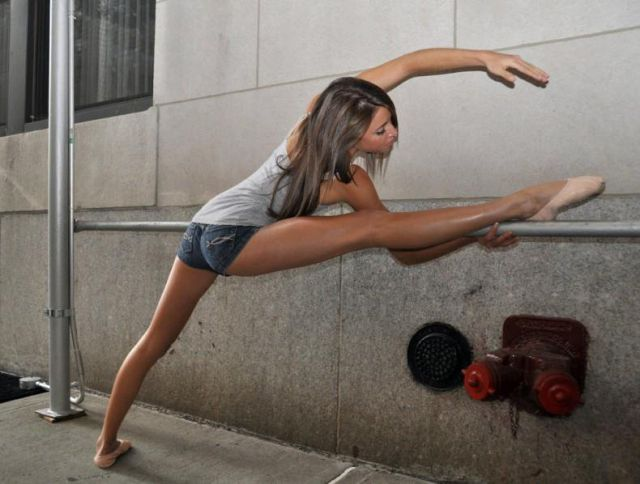 The Splits Girl Is Pretty Attractive